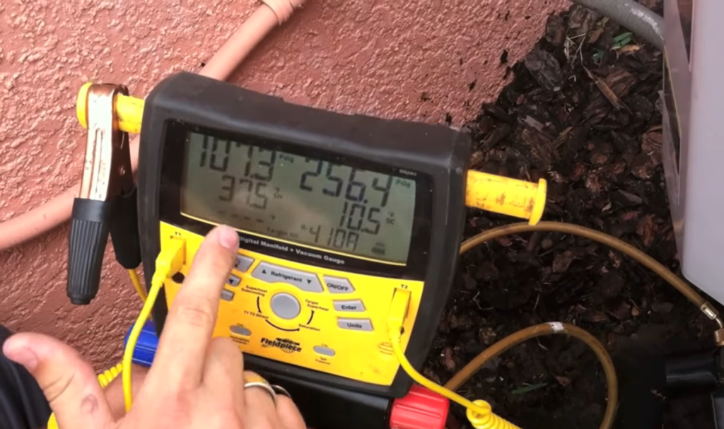 How to Check Pressures and Amp Draws at the Condenser