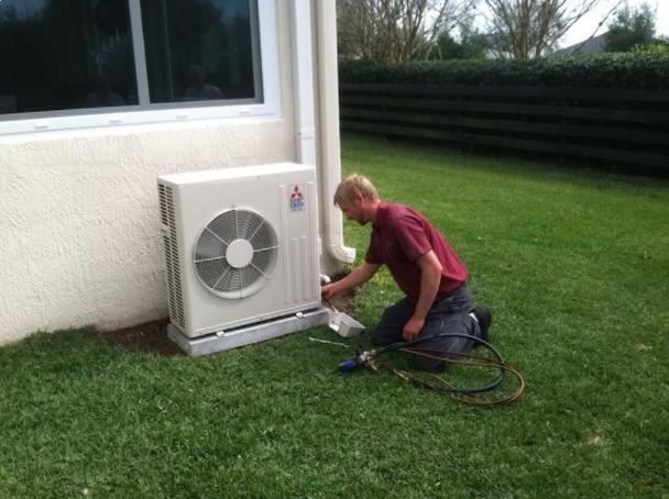 Air Conditioner Repair Photos
